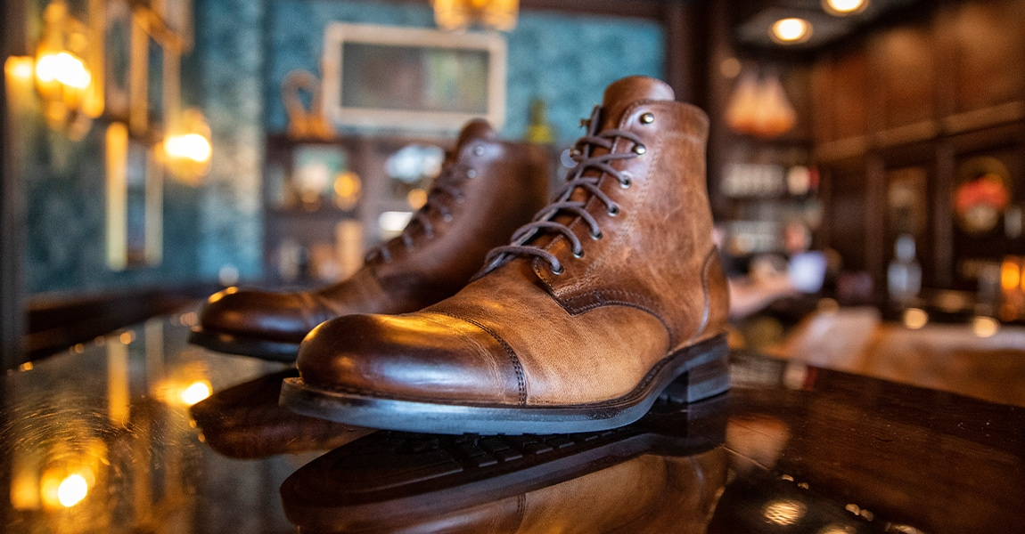 Wolverine BLVD Cap Toe in tan on a bar