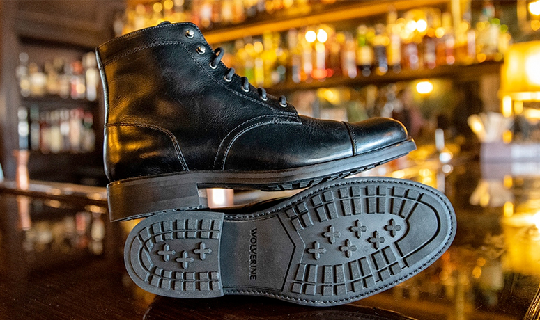 Wolverine BLVD Cap Toe in black on a bar